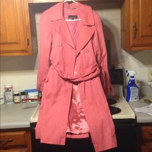 Jones NY trench coat in pink size large